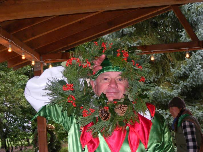 Olaf the Elf wreathing-it!