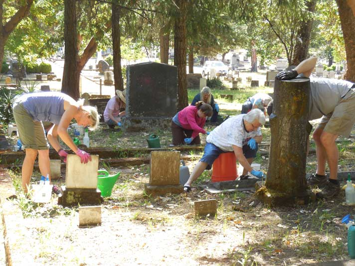 Cemetery-Cleanup-2017 - Jacksonville Review Online